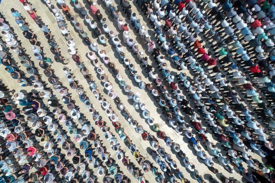 عکس روز: نماز میت مرسی در استانبول